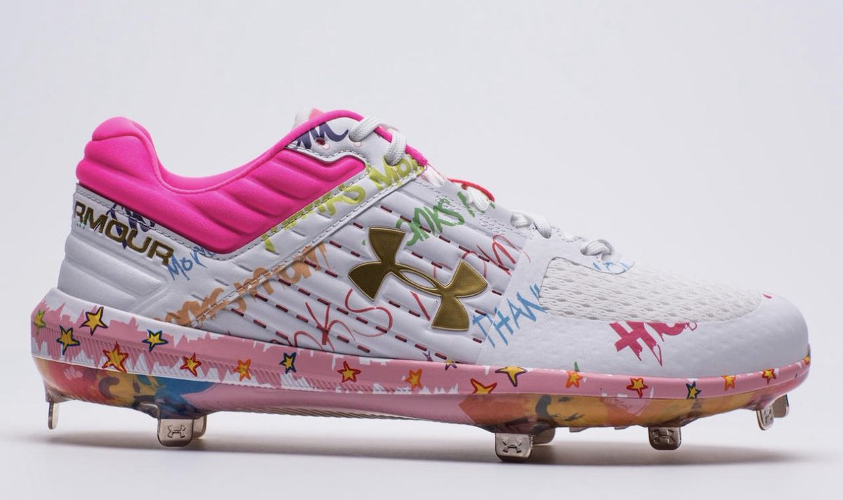 Bryce Harper went way above and beyond with these bright pink Mother's Day cleats