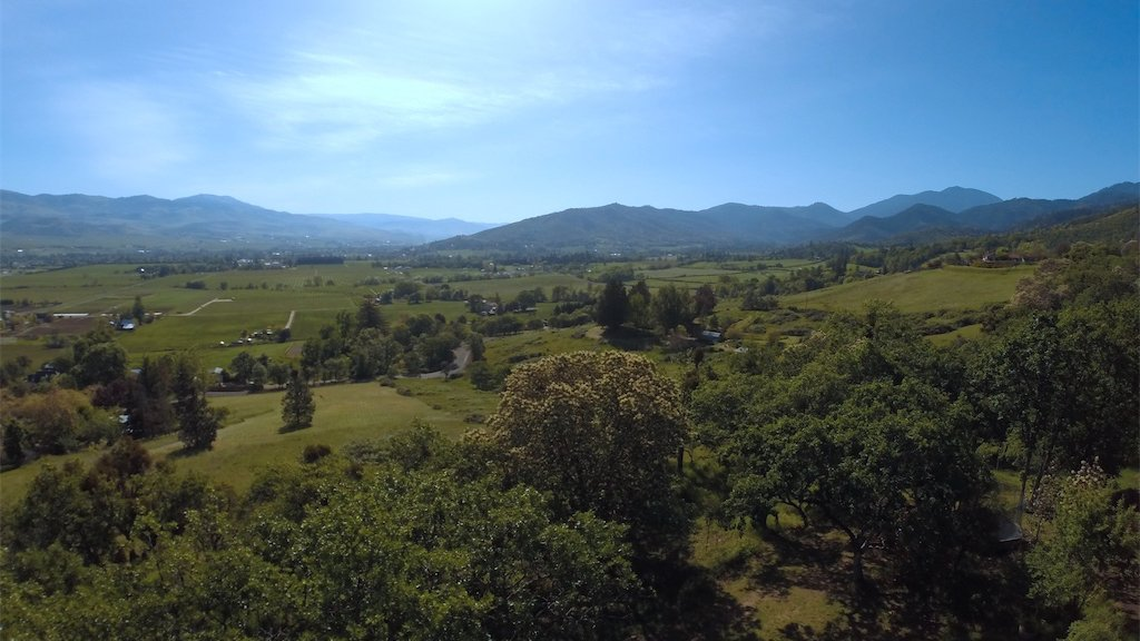 "Enjoy our #Realestate #video tour of 6344 Adams Road, Talent, Oregon - ""Hawk Hill House"" here: https://t.co/QCirTFEQHE Learn more or get a quote for your real estate video tour at Rogue Valley Video https://t.co/iYh7HlKagB"