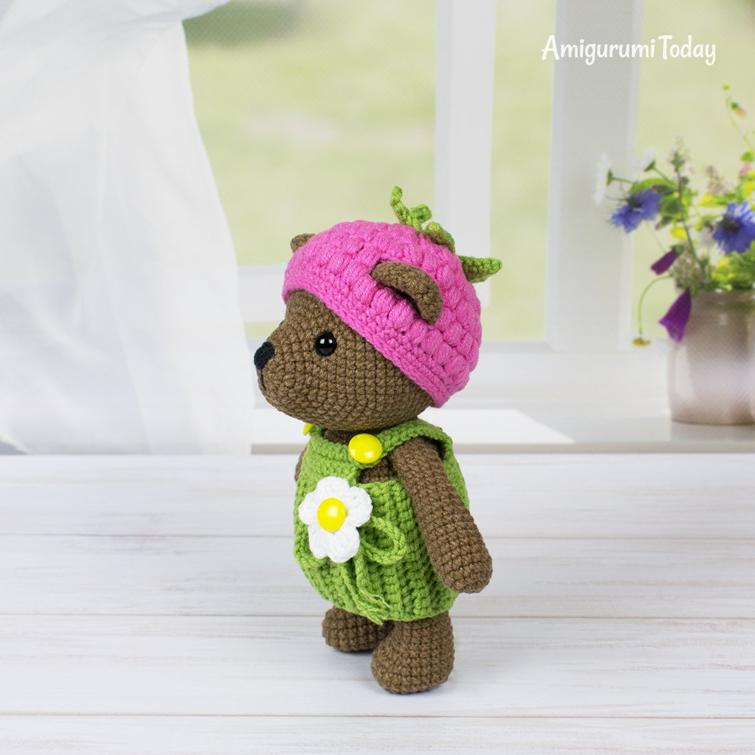 Free Teddy Bear crochet pattern - Amigurumi Today | 1100x1100