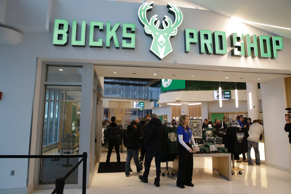 0b05a99242cc ... 10am-6pm (Game 1 on Wednesday) Fri  10am-7pm (Game 2) Sat  11am-6pm  Sun  11am-4pm Shop online 24 7 at http   shop.bucks.com  !pic.twitter.com GDOYaJQ95a