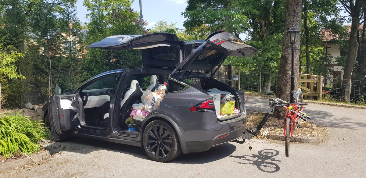 @Tesla Spot the dog! He's in there https://t.co/zIASvadnlY