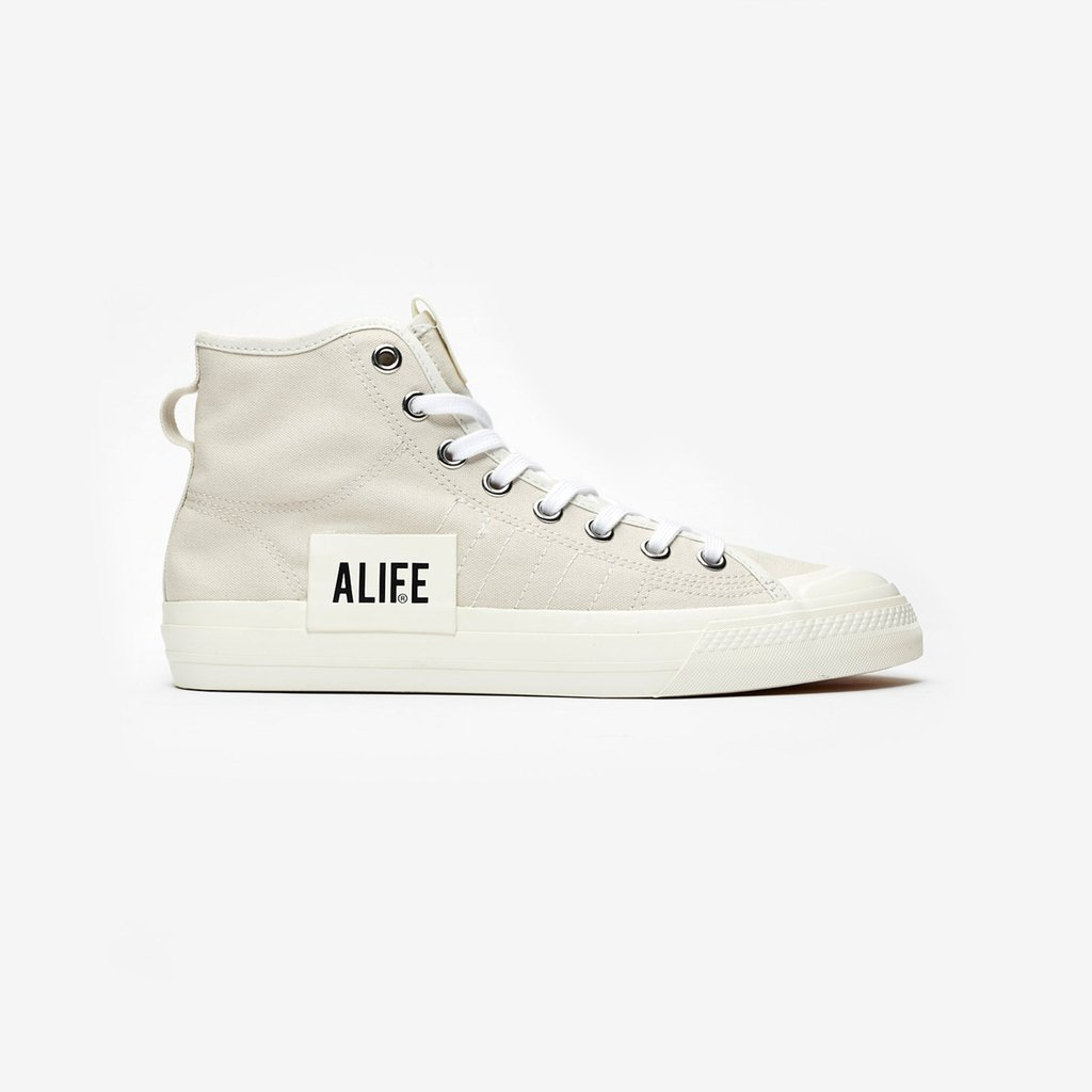 0f7b1076c The  adidas Nizza Hi RF x Alife is now available online and in-store (all  SNS doors) --- https   bit.ly 2WEfZpq pic.twitter.com NLoLmGUBCD