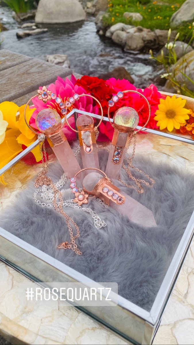 I Make Jewelry for Queens  #etsyjewelry #Queen #crown #crystalhealing #crystaljewelry #angelaura #princess #witchy #witchesoftwitter<br>http://pic.twitter.com/3M91Zcz3Hp