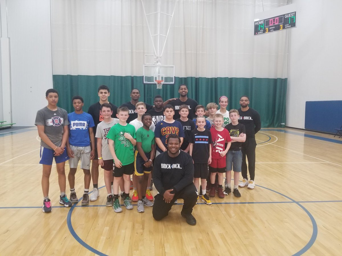 @ballislife_219 @ogleek22 @DarrylJackson_  and i would like to thank everyone  for coming out and making this 2nd skills clinic a success🙏🏿🙏🏿 #BRICKXBRICK