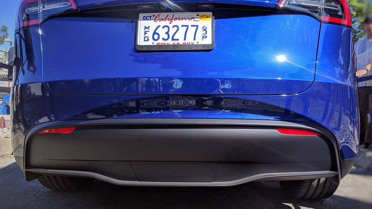 Tesla Model Y (2019) 42