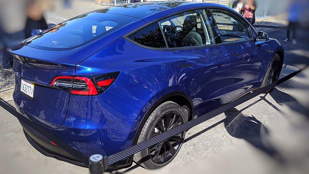 Tesla Model Y (2019) 43