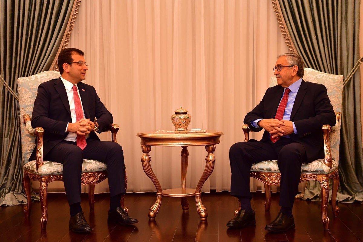 Cumhurbaşkanımız Mustafa Akıncı, İstanbul Büyükşehir Belediye Başkanı Ekrem İmamoğlu'nu makamında kabul etti.