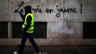Happy Yellow Saturday #ACT26 #GiletsJaunes #France #Paris #Biarritz #Toulouse #Sisteron #Rouen #LePuyEnVelay #Lyon #Toulon #Valence #Vichy #Dijon #Nantes #SaintEtienne #Nimes #Quimper #Insurrection #Revolution #Peace #Love #respect #Climat #MacronDemission #ActeXXVI #RIC<br>http://pic.twitter.com/Co18ip2M4m