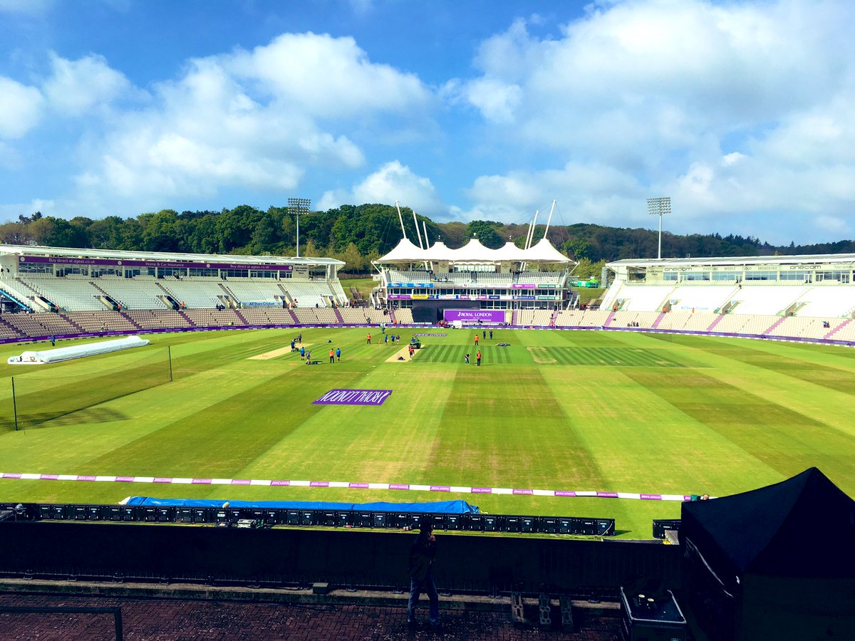 View from the commentary box at the Ageas Bowl. We're on the air from 1045am for England v Pakistan. #bbccricket #ENGvPAK