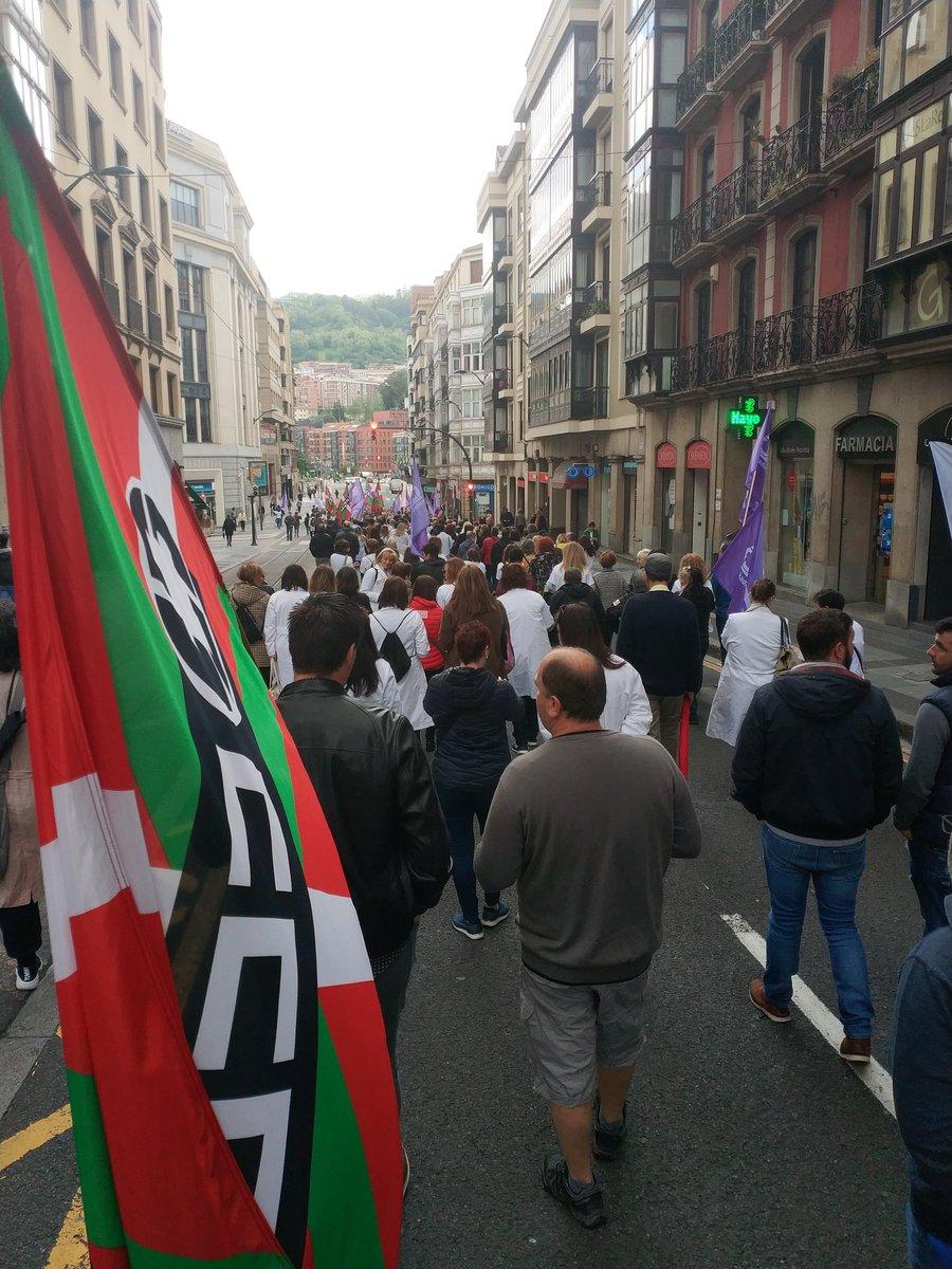 #SADenlucha! #SADborrokan! por las calles de #Bilbao   #AurrerantzCCOO – at Plaza Circular