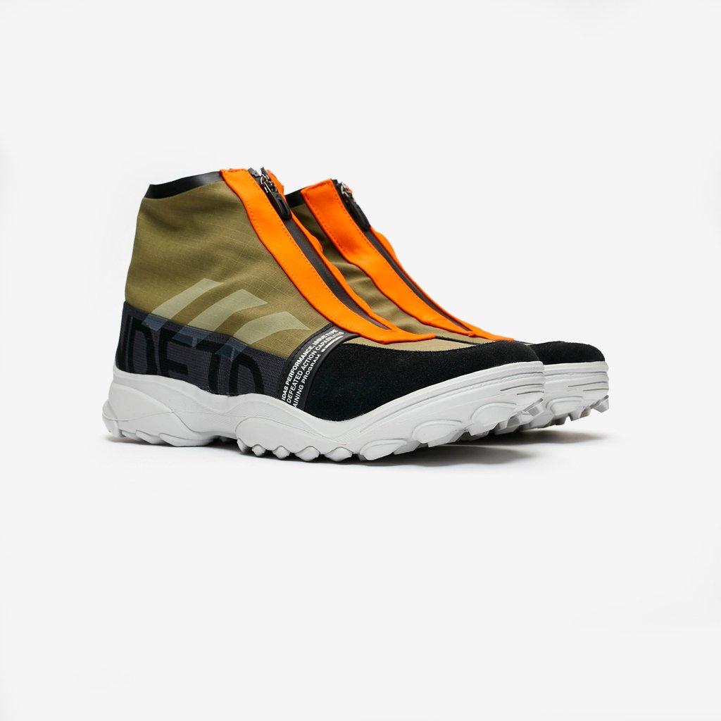972a1db664de Sneakersnstuff ( sneakersnstuff)
