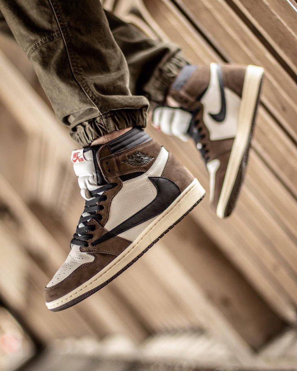 23caf64b30a539 ... Shorts http   bit.ly 2LvO7ms Shirt1 http   bit.ly 2Jv3qJB  Shirt2 http   bit.ly 2JpIovU Shoes http   bit.ly 2Jkb1uh pic.twitter .com xeGjICzzuV