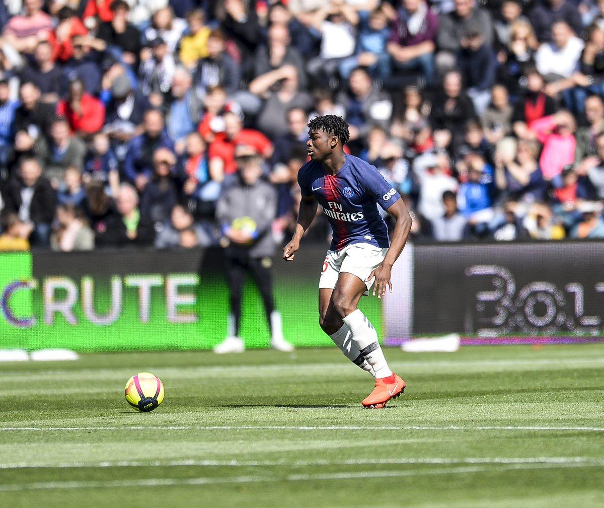 Championnat de France de football LIGUE 1 2018-2019-2020 - Page 21 D6TD2ZFW0AADFUz