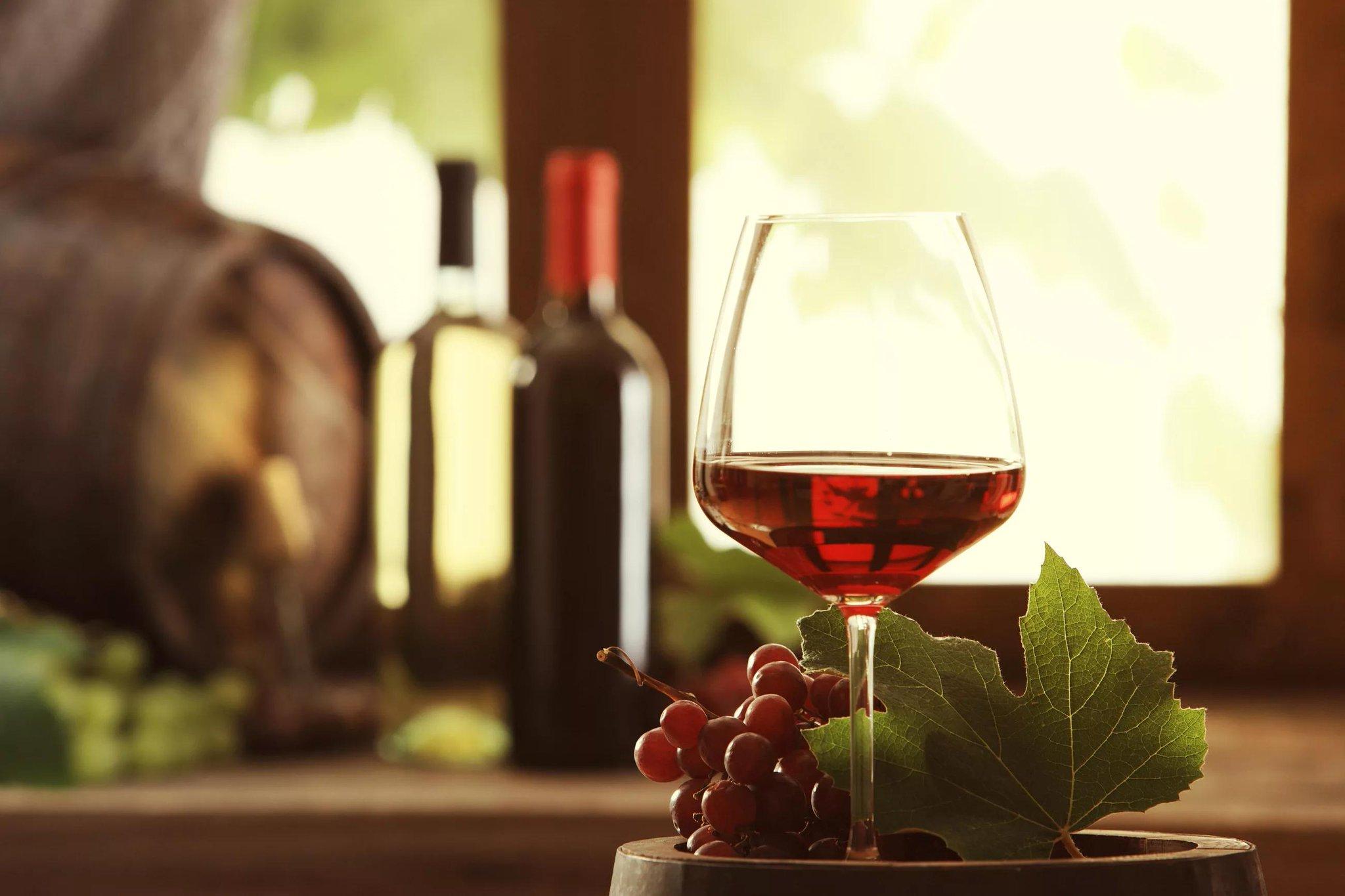 Любимому, красивые картинки с вином и бокалами