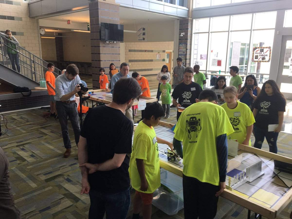 Gunston representing at the Edu-Futuro Robotics Cup. Kids doing a great job!!! <a target='_blank' href='http://twitter.com/Edu_Futuro'>@Edu_Futuro</a> <a target='_blank' href='http://twitter.com/APSGunston'>@APSGunston</a> <a target='_blank' href='http://twitter.com/GunstonDandE'>@GunstonDandE</a> <a target='_blank' href='https://t.co/hRCseXXUkg'>https://t.co/hRCseXXUkg</a>