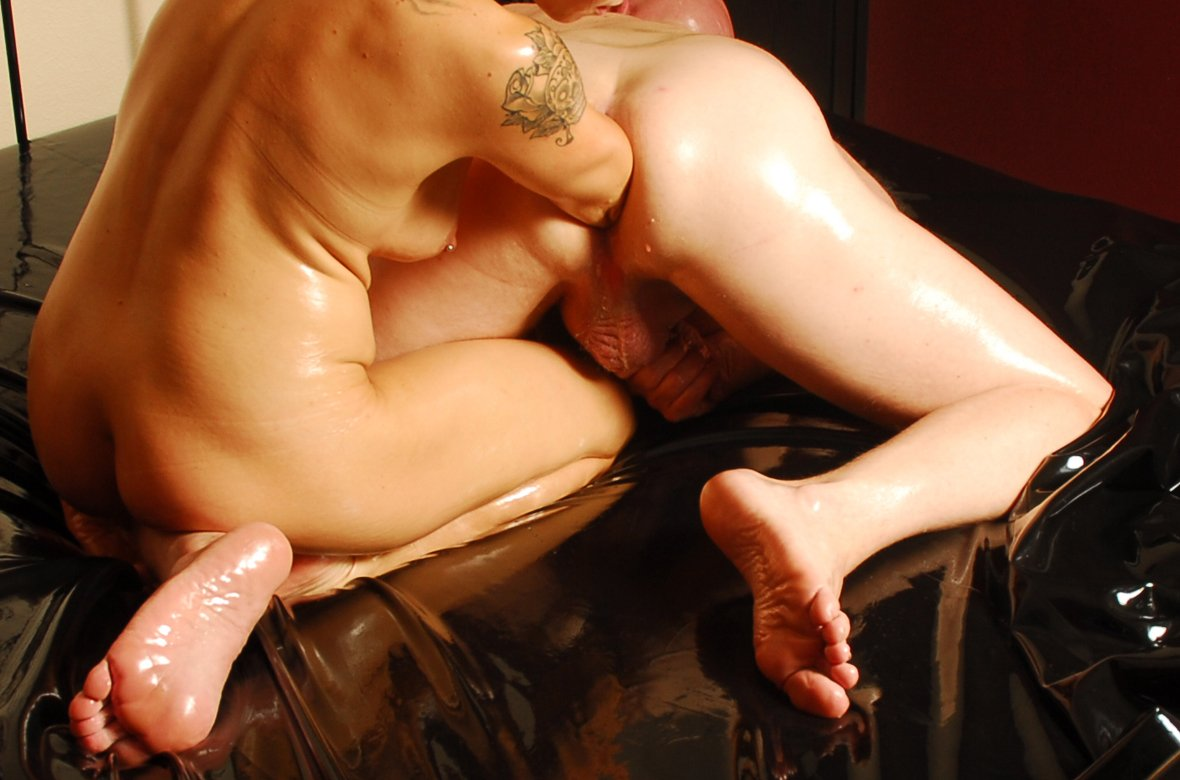 Man Fisting Pussy Porn Pics
