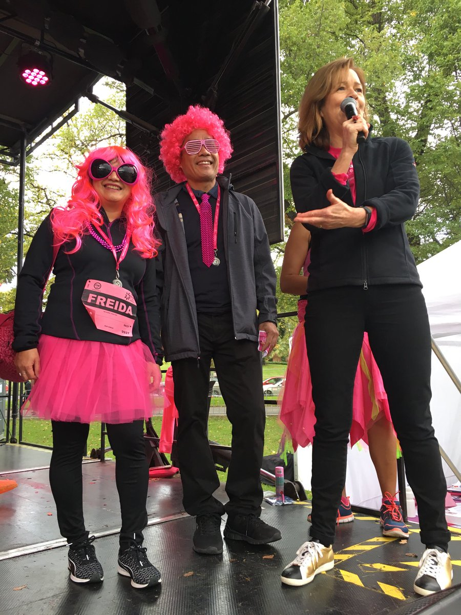 How fantastic on Mother's Day to present prizes at #MDC2019. 22,000 people ran or walked here in Melb & tens of thousands more around the country to raise $ for breast cancer research. Reminds us all how important it is to take collective action for change <br>http://pic.twitter.com/a3C1Oleujy