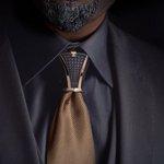 ネクタイの結び目につけるアクセサリーがかっこよい!!