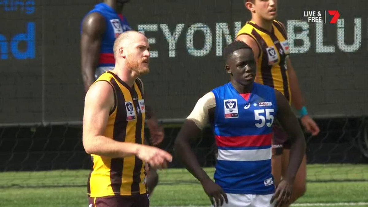 Jarryd Roughead is coaching his opponents in the VFL 😅