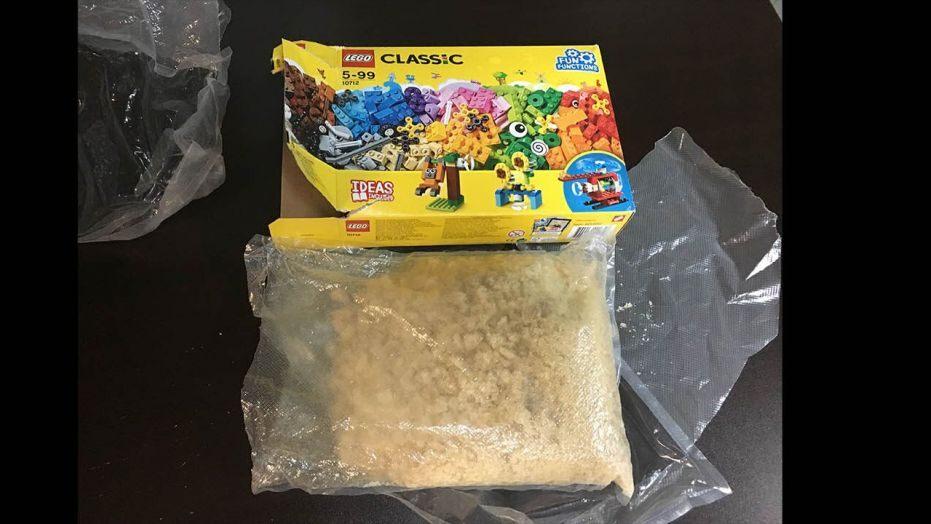 Resultado de imagen para Niño encuentra 2 kilogramos de droga en caja de Lego