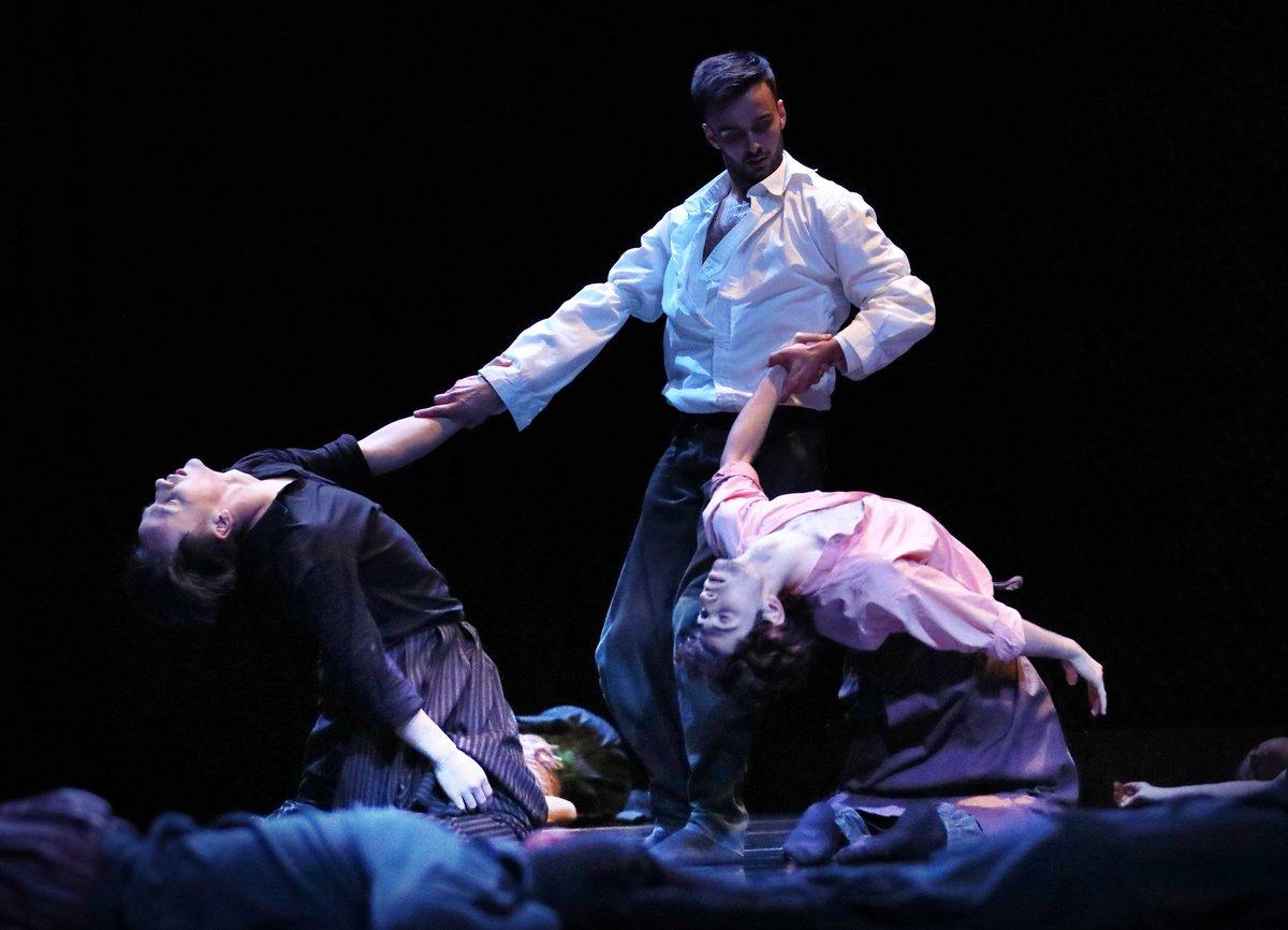 toitoitweet > dancers LONG LIVE LARBI > enjoy the stage of @FlintAmersfoort vanavond! > introdans.nl/long-live-larbi