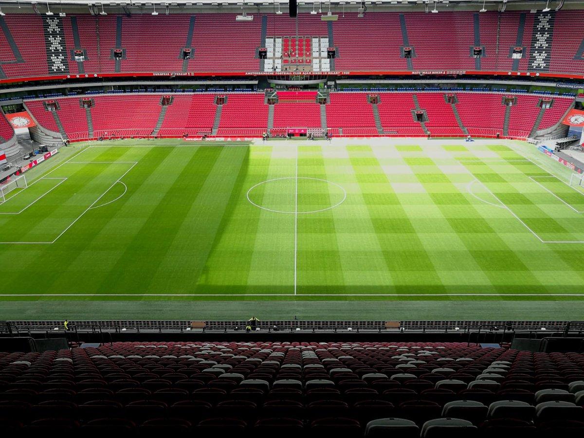 De laatste thuiswedstrijd van het seizoen. Nog één keer genieten van Ajax! ⚽️❤️  #ajautr