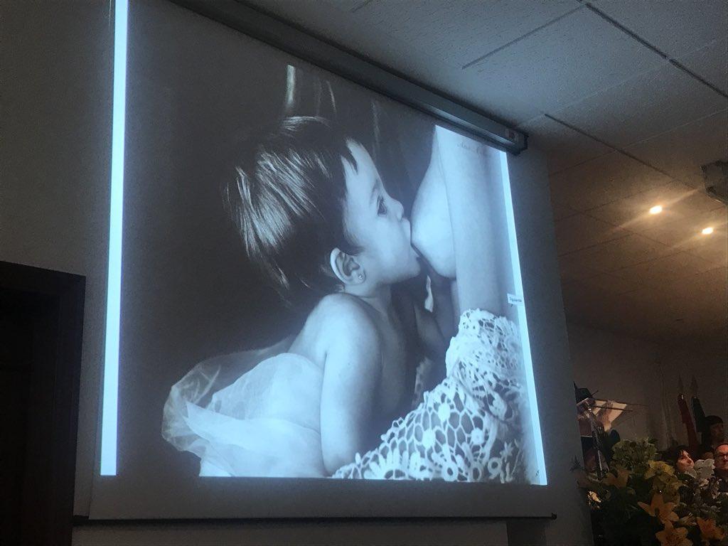 """Preciosa la Foto """"Lactancia"""" de Ana Barrantes, que recoge el Primer Premio de nuestro """"lV Certamen de Fotografía"""" #100añosCOECáceres"""