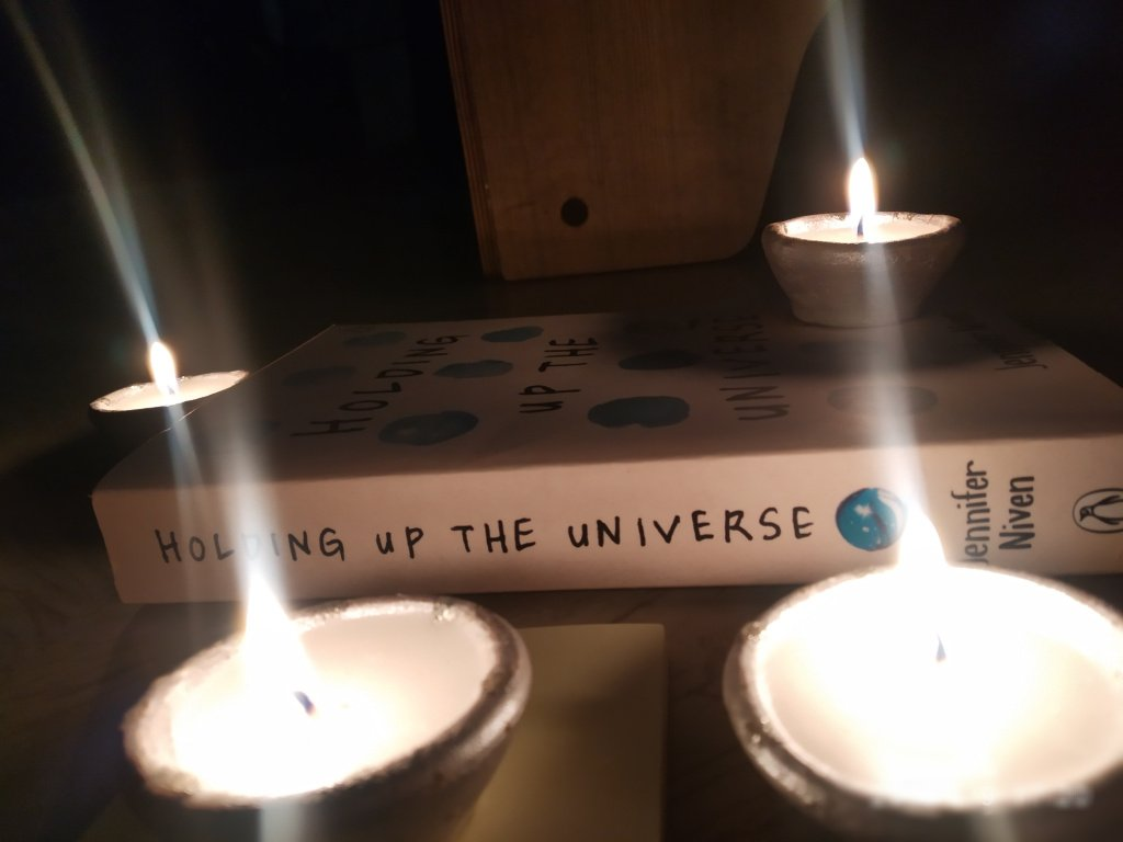 Holding Up The Universe by Jennifer Niven https://theenigmaticcreation.wordpress.com/2019/05/12/holding-up-the-universe-by-jennifer-niven/ …