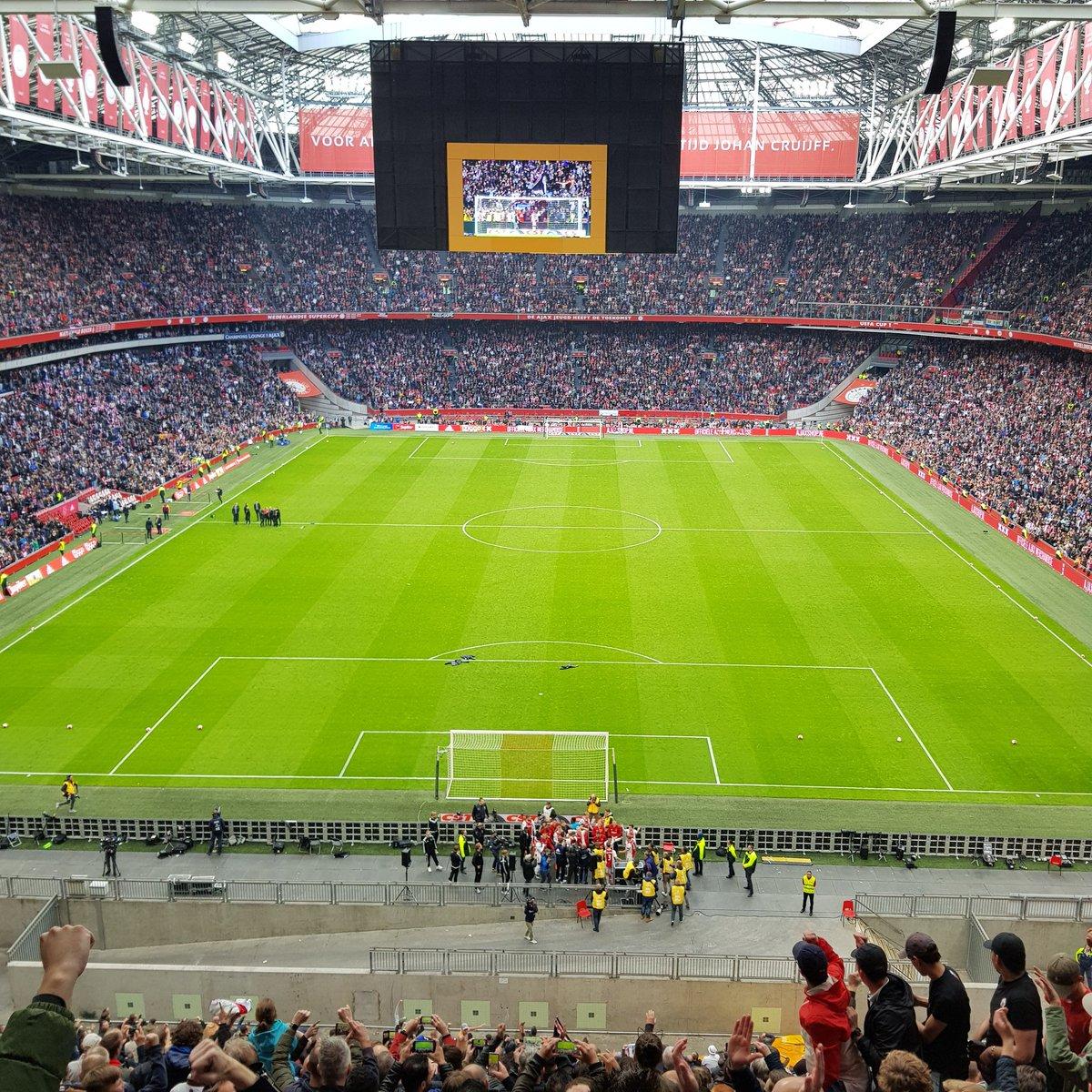✅15 zeges 🤝 2 gelijke spelen ❌ 0 nederlagen  Bedankt @AFCAjax voor een indrukwekkend Eredivisie seizoen in de Johan Cruijff ArenA! 🙌🏼  #ajautr