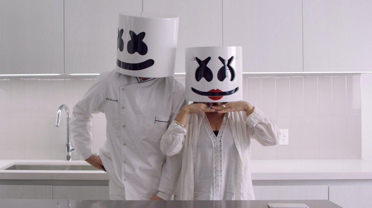 Картинки люди в масках маршмеллоу