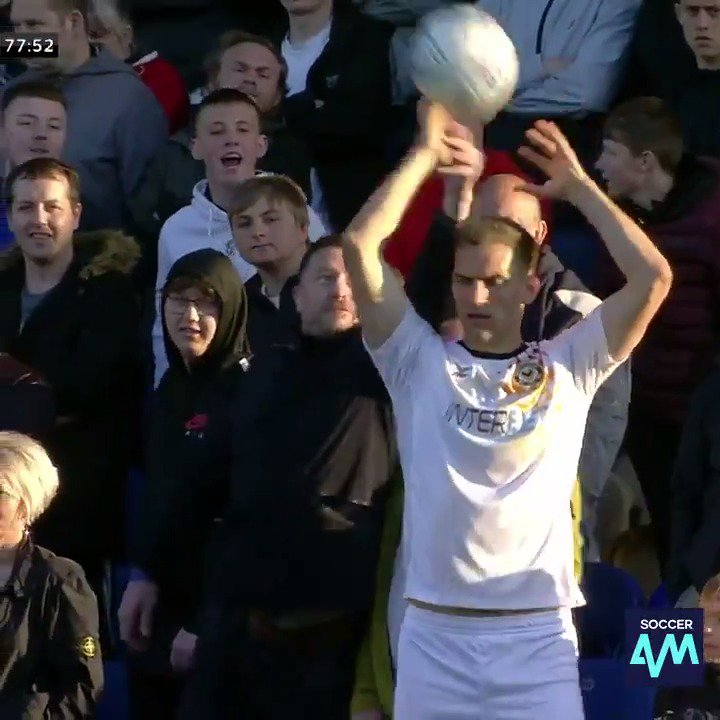 The Mansfield fans getting involved in this throw in 🤣