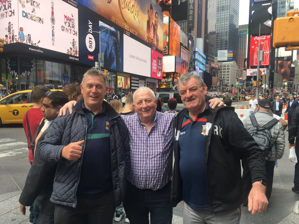Irish tourists reunited with photo taken of them by stranger in NYC