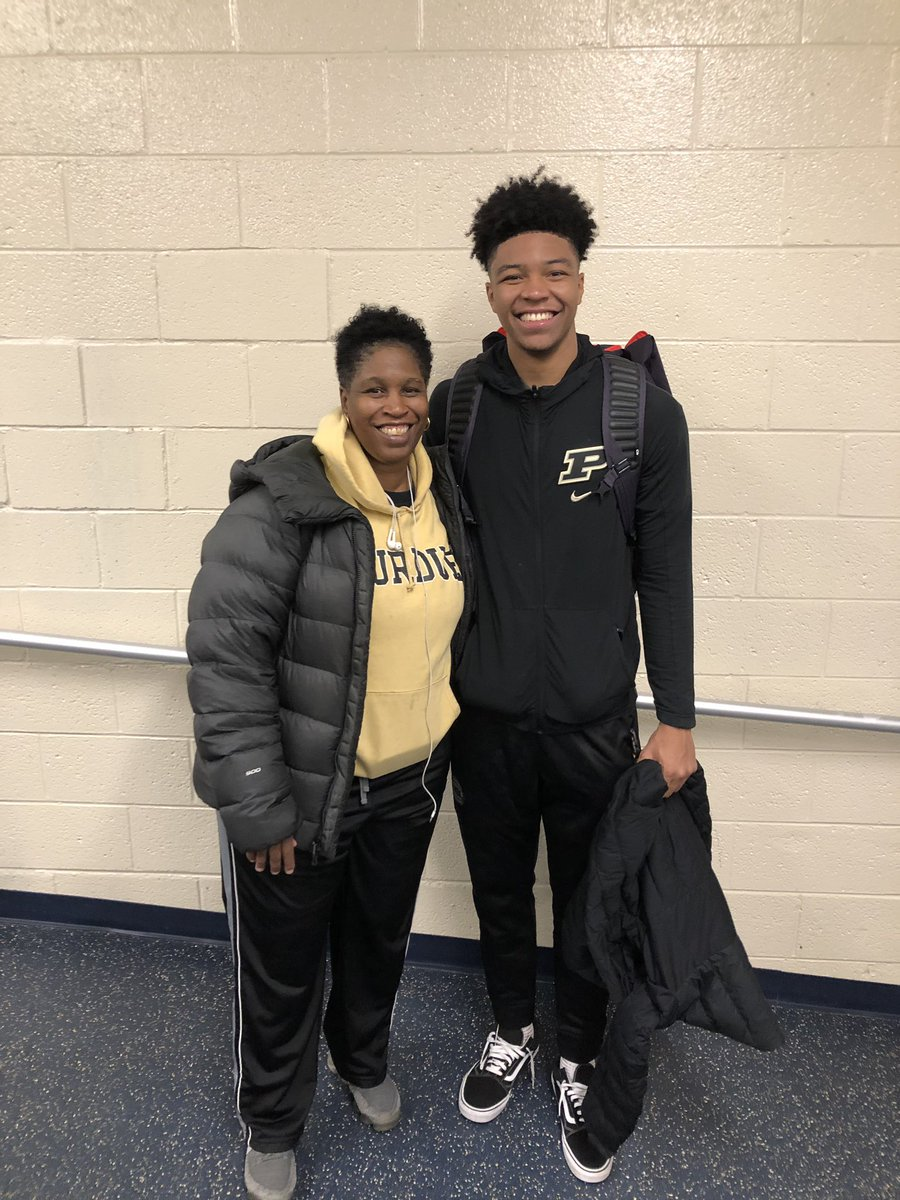 Happy Mother's Day to the most important lady in my life❤️.....drop the pics with ya moms🤙🏽