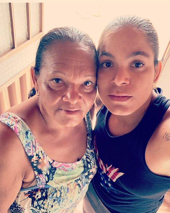 Happy Mother's Day thank you for giving me the present of life I love you Mom🌹 Feliz Dia das Mães Obrigada pelo o prazer de viver te amo M
