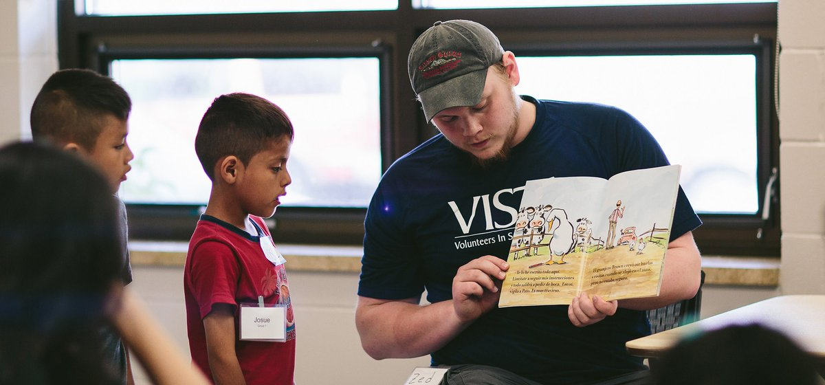 Become a Summer Reads VISTA and work to fight the summer slide – the decline of literacy skills in low-income children in grades K-3 over the summer. The application deadline has been extended to May 13. Learn more and apply now: sppl.org/blogs/post/bec….