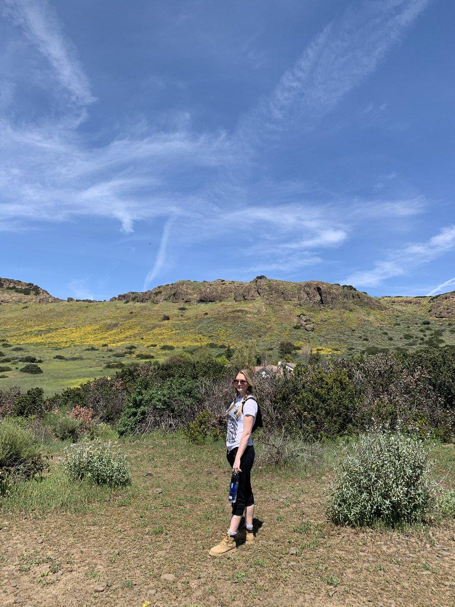 Nature!!! No filter needed! #maloriesadventures #maloriemackey #nature #hiking #outdoors #hikingadventures #hike #flowers #green #california #californiahikes