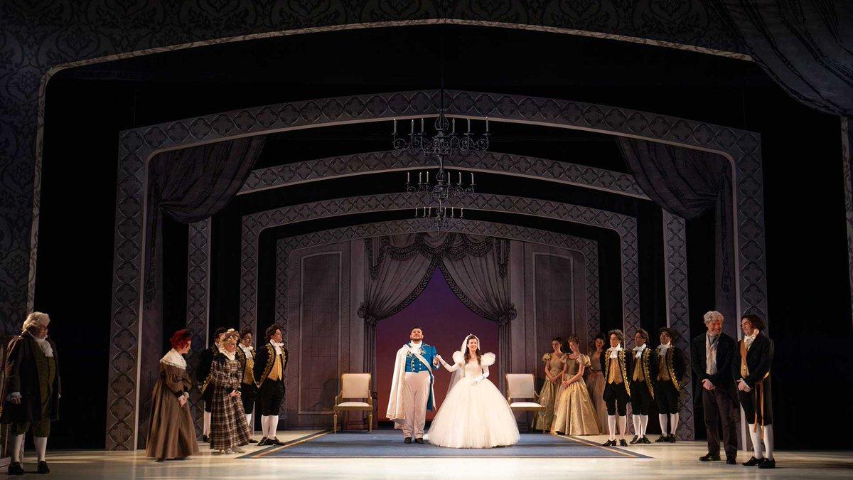24fb9a920999 Vancouver Opera ( VancouverOpera)