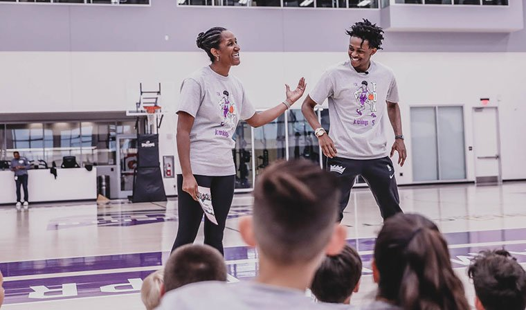 What better way to celebrate Mother's Day than by hosting a Jr. Kings clinic with your mom? 😁  📸 The best moments from the day with @swipathefox and Lorraine » http://spr.ly/6012Ein8s