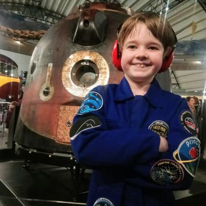 #OTD in 2013, it was announced @astro_timpeake would go to @Space_Station &amp; on this #Soyuz (TMA-19M) 15th December 2015 he did just that. I bet little did Tim know then, the life changing impact he&#39;d make to many to #DreamBig &amp; never let anyone tell them they CAN&#39;T <br>http://pic.twitter.com/JkKYbZZj86