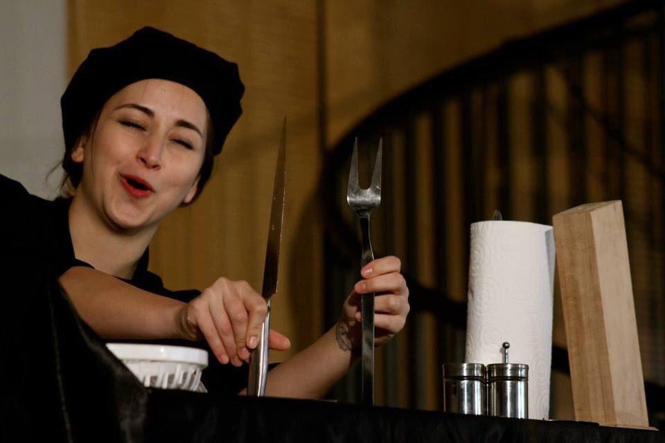 """Bu akşam 20:30'da """"Macbeth Mutfakta"""" -Kadro Pa- Biletler kadikoyemektiyatrosu.com Gişe No: 0542 213 60 50 Menemen hiç bu kadar kanlı olmamıştı..."""