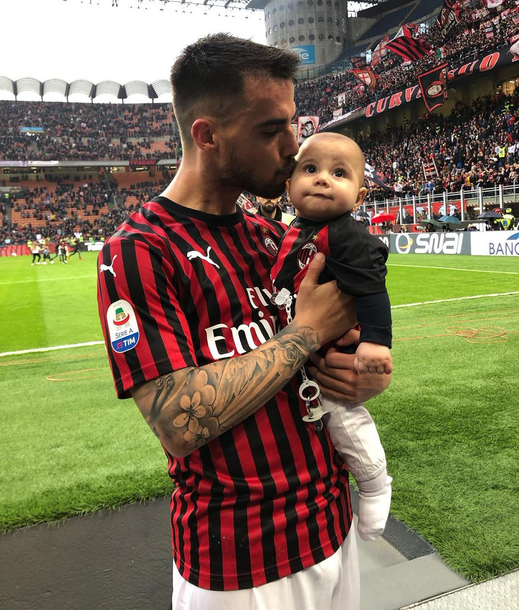 Footballers Wagskids On Twitter 19 05 2019 Suso Alicia And Baby Alessio During Ac Milan And Frosinone Football Match Pic Alicia Rodriguez Suso Susofernandez Aliciarodriguez Alisrodriguez Alessiofernandez Acmilan Acmilanwags Acmilankids