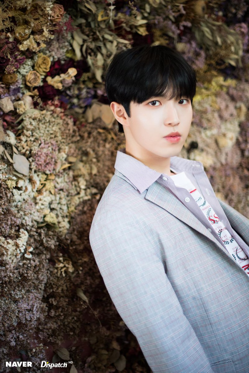 our all main kim jaehwan #오늘6시_김재환과_안녕하세요 is gonna release his solo album!! #BeginAgain_Kimjaehwan today 6pm kst! aoty..!! <br>http://pic.twitter.com/UFOFhDk2FL