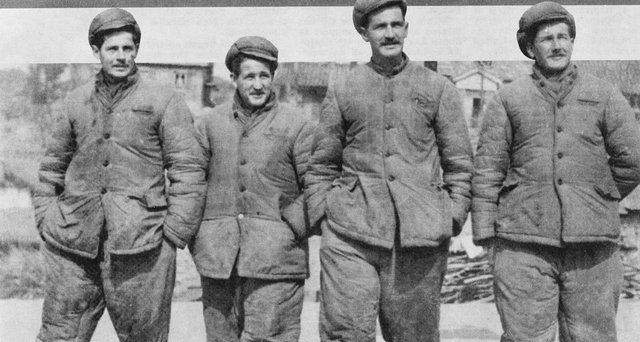 ON THIS DAY: Australian POWs of the Korean War were released on 18 June 1953. Thirty Australians were taken prisoner in Korea and one – 3RAR's PTE Horace Madden – died while in captivity. There are still 43 Australian servicemen listed as MIA from the conflict.  #LestWeForget <br>http://pic.twitter.com/eDror56zA1