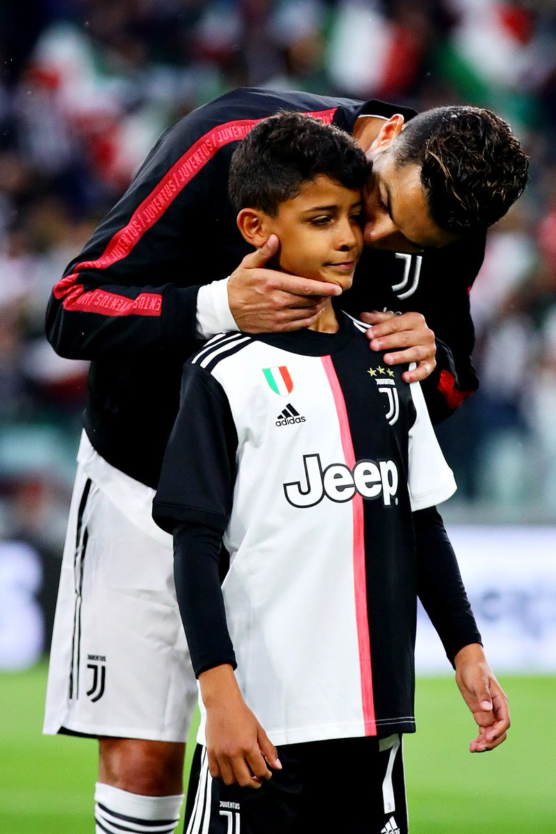 Juve celebrated their Serie A title with the kids 👌