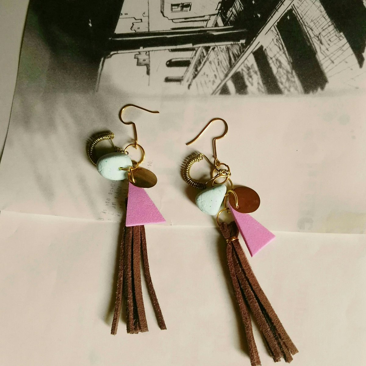 6d68e4d40dadb ... It s a long earrings handmade using leather and modeling clay bead and  wires  اكسسوارات  تصميم  الأنثى  الجمال  السودان  accessories   handmadejewelry ...