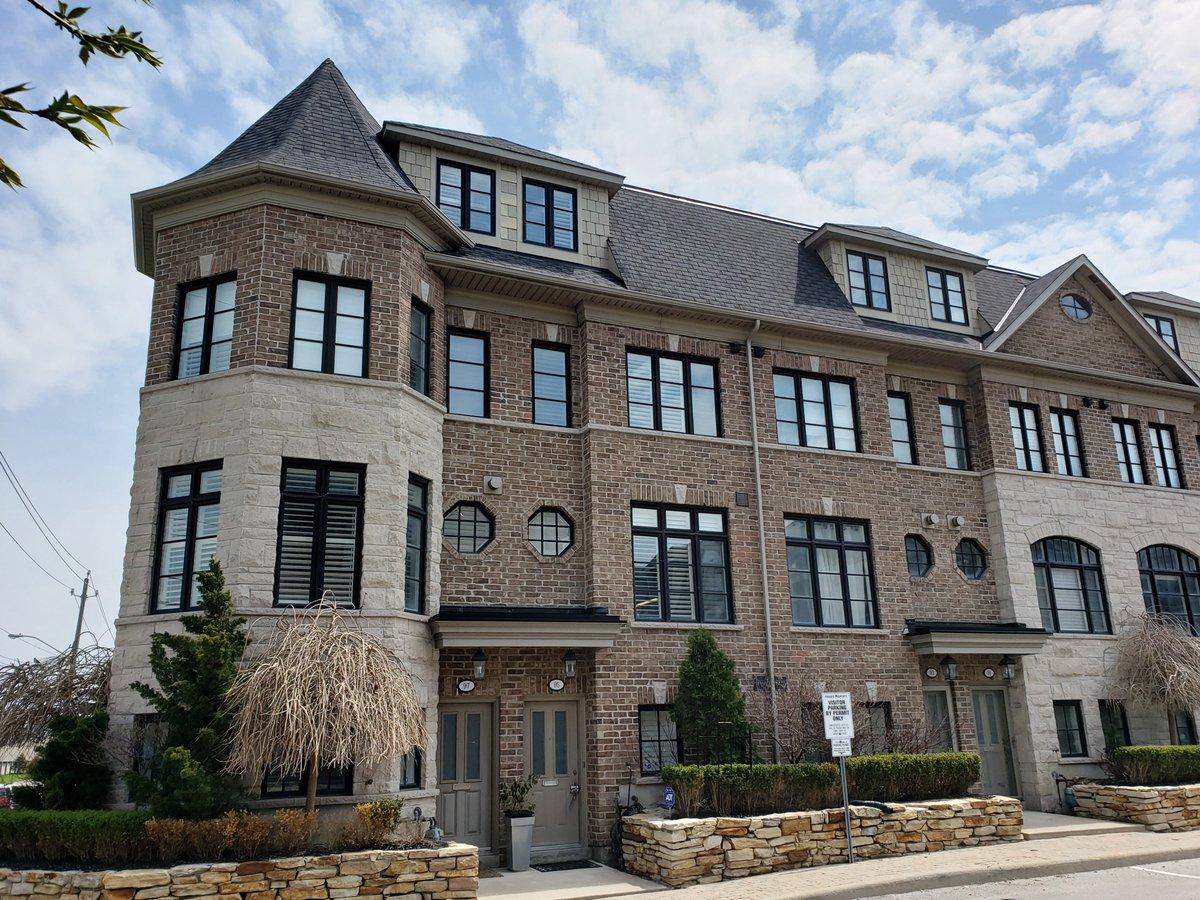 9cda911a0c4d  MLS W4445585 https   tinyurl.com yy55hqsn Stunning  executive  designer   townhouse in  Toronto. Contact me for more info!pic.twitter.com wjTUKg6duD