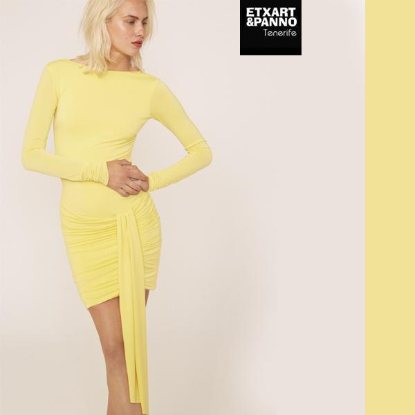 90f29991e Te proponemos para un momento especial este vestido mini ajustado