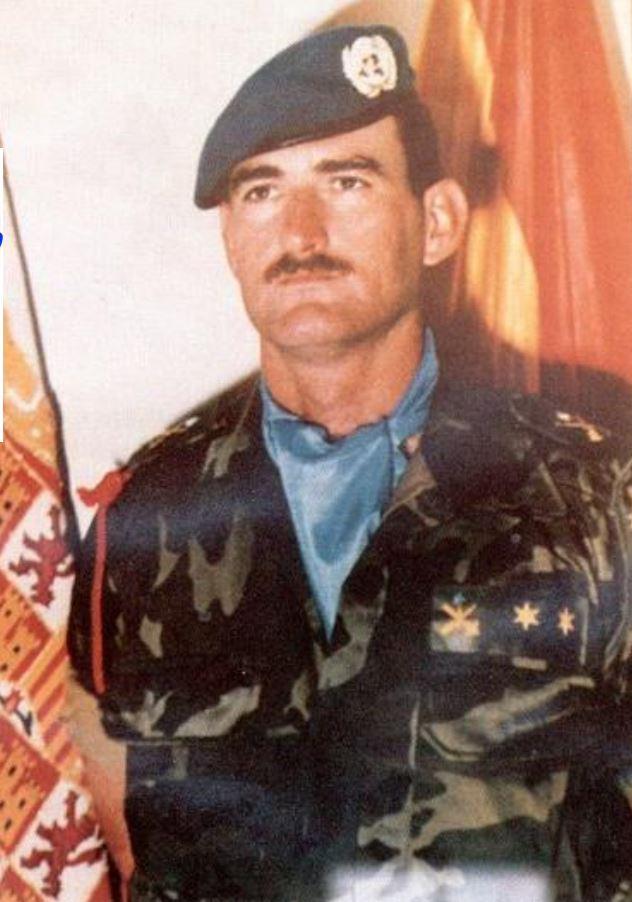 #Taldíacomohoy 1993 fallece el primer casco azul caído en Operaciones de Mantenimiento de Paz, teniente #infantería Arturo Muñoz Castellanos de la AGT Canarias, caído en #Mostar (Bosnia Herzegovina) cuando transportaba sangre al hospital musulmán. #EfeméridesEjército 🇪🇸