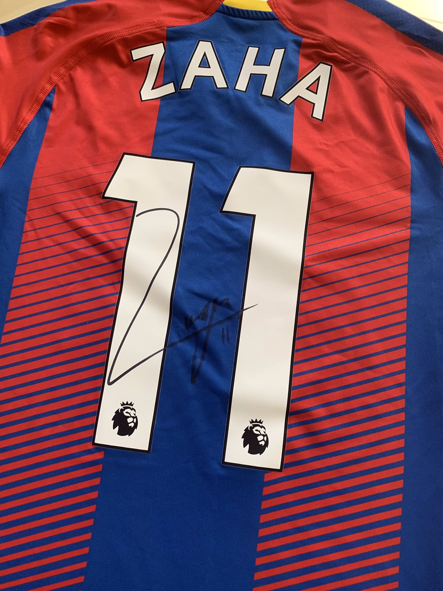 As a thank you for the support you guys have given me this season wanted to give something away. For a chance to win my signed shirt like and RT this post and check out my FB and Insta for more. Winner picked Friday 🙏🏿 #WZ11