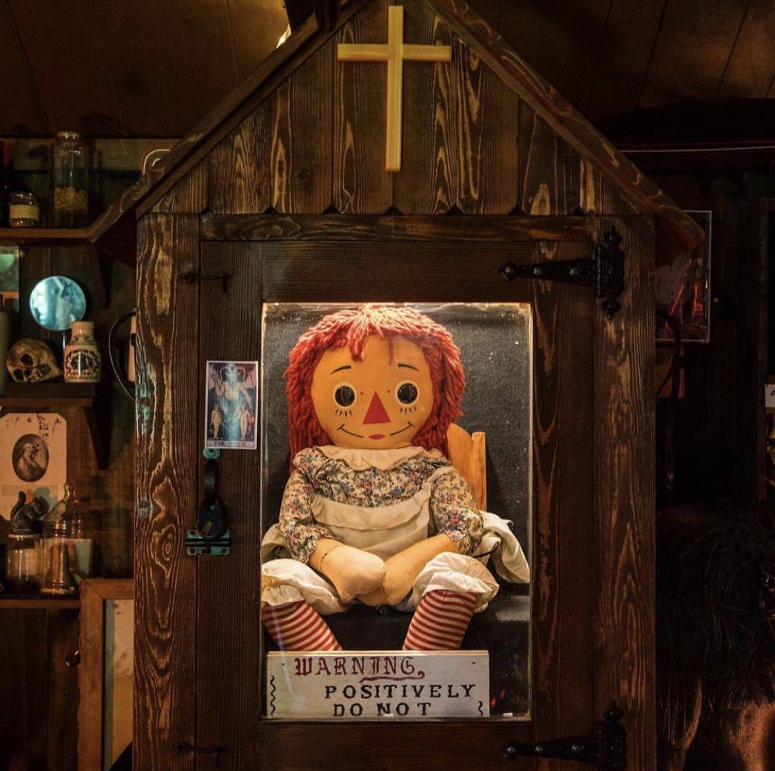 アナベル人形 実話